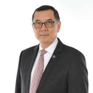Mr Kobsak Duangdee (Secretary General of the Thai Bankers' Association (TBA))